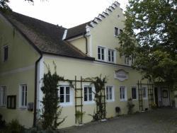 Guest House Schloß Tunzenberg, Schlossberg 5, 84152, Mengkofen