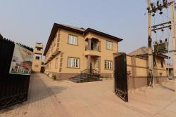 Momak Hotels and Suites, Ojubaba oke-idaho iseyin, 105102, Iseyin