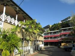 Yongala Lodge by The Strand, 11 Fryer Street, North Ward, 4810, Townsville