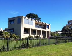Island Getaway, 14 Fishers Road, 3981, Ventnor