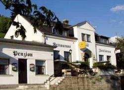 Restaurant-Penzion Zlatá Koruna, Tisá 129, 40336, Tisá