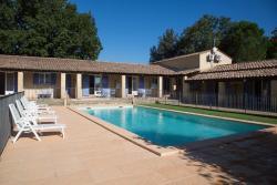 Motel Le Clos De La Cerisaie, 1bis Chemin du Pont du Gard, 30210, Castillon-du-Gard