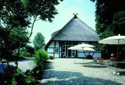 Seehotel Am Neuklostersee, Seestraße 1, 23992, Neukloster