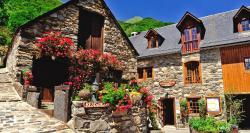 Logis La Grange Aux Marmottes - Les Campanules, Au Village, 65120, Viscos