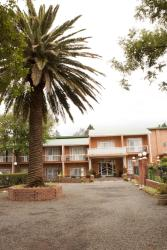Hotel Mount Maluti, Hospital Area, 800, Mohales Hoek