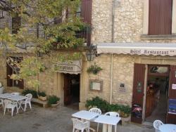 Les Geraniums, Place De La Croix, 84330, Le Barroux