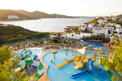 Carema Club Resort, Urbanización Playas de Fornells, 07748, Fornells