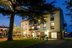 Hôtel Restaurant Les Pins, 94 route de fronton, 31140, Fonbeauzard