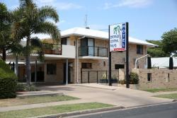 Emerald Central Palms Motel, 19 Esmond Street, 4720, 翡翠城