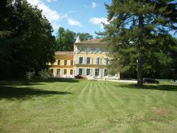 Château saint Romain - maison d'hôtes, D4 route de Montélimar, 205 chemin de Saint Romain, 26780, Espeluche