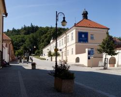 Hotel Pod Zámkem, Hradní 4, 680 01, Boskovice