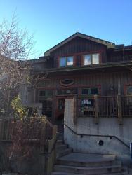 Howe Sound Inn & Brewing Company, 37801 Cleveland Avenue, V8B 0A7, Squamish