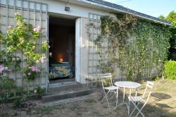 Gîte du Plessis, 4 place de l'église - Saint Aubin du Pavoil, 49500, Segré