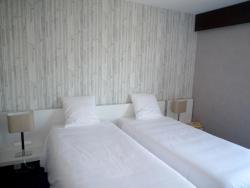 Hôtel Les Portes du Vercors, 8 Boulevard Gambetta, 38160, Saint-Marcellin