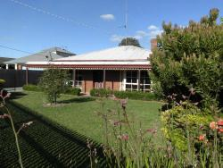 Dunstans Guest House, 129 Mansfield Ave Mt. Clear, 3350, Ballarat
