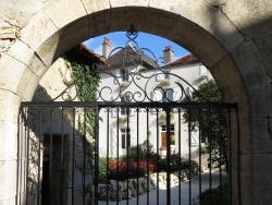 Le Bailli de Montsaugeon, 4, Rue de l'Église Notre Dame, 52190, Montsaugeon