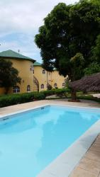 Oasis Relax Lodge, Senegambia Hwy Phoenix Drive, 0000, Bijilo