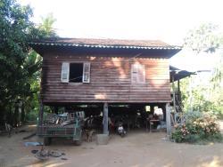 Krabey Sor Homestay, South of Krorbey Real Market, Pouk Commune,,, Phumĭ Trás Treăng
