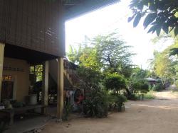 Ro Ka Homestay, South of Krorbey Real Market, Pouk Commune,,, Phumĭ Ta Rós