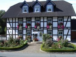 Ferienwohnungen Mettenhof, Grimmestraße 4, 59939, Olsberg