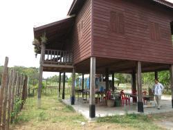 Isanborei Homestay 6, Kampong Chheuteal Village, Prasat Sambor,, Kâmpóng Chheutéal
