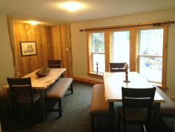 Eagle Valley Retreat, 14575 Squamish Valley Road, V0N 1B1, Upper Squamish
