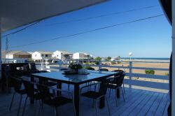 Holiday home Chalet Pleine Vue Sur Mer, chalet n° 4 rangée N°2,  allée des aigrettes, 11430, Gruissan