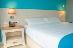 Hotel - Centro Comercial Punta Del Mar, Malecón de La Libertad, 240206, La Libertad