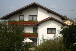 Haus Stuttgart, Rennbahnstr. 31, 4982, Obernberg am Inn