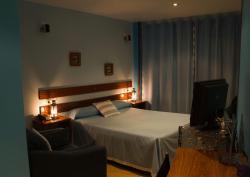 Hotel A. G. Porcillan, Antonio Otero, 47, 27700, Ribadeo