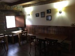 Hostal De Montaña La Aldeya, Avda. Asturias, 4, 24100, Villablino