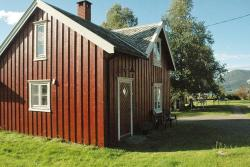 Two-Bedroom Holiday home in Tresfjord,  6391, Sørsylte