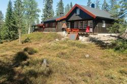 Four-Bedroom Holiday home in Løten,  2340, Nordset