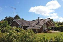 Three-Bedroom Holiday home in Glesborg 13,  8585, Bønnerup