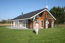 Three-Bedroom Holiday home in Sjællands Odde 2,  4583, Yderby