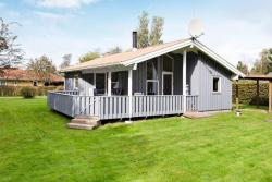 Two-Bedroom Holiday home in Glesborg 9,  8585, Bønnerup