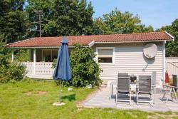 Three-Bedroom Holiday home in Glesborg 16,  8585, Fjellerup