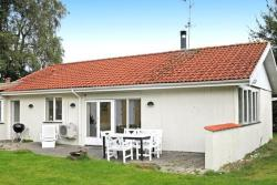 Four-Bedroom Holiday home in Glesborg 18,  8585, Fjellerup