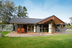 Three-Bedroom Holiday home in Odder 1,  8300, Dyngby