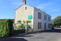 La Jolie Maison Guesthouse, 2 rue Jean Jaures, 85370, Le Langon