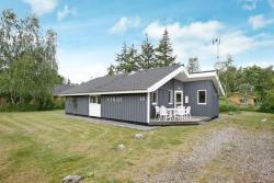 Three-Bedroom Holiday home in Hadsund 37,  9560, Odde