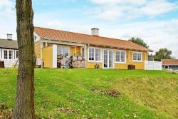 Three-Bedroom Holiday home in Aabenraa 10,  6200, Løjt