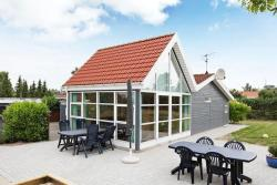 Three-Bedroom Holiday home in Glesborg 55,  8585, Bønnerup