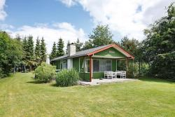 Two-Bedroom Holiday home in Hadsund 16,  9560, Haslevgårde