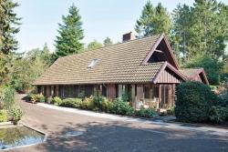 Three-Bedroom Holiday home in Ebeltoft 56,  8400, Øksenmølle
