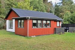 Three-Bedroom Holiday home in Hals 46,  9370, Hou
