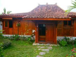 Villa Sumbing Indah, Jalan Gunung Sumbing, 56151, Tonoboyo
