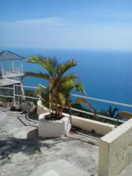 Ocean Breeze Hotel, Yardley Chase District,, Lovers Leap