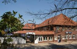 Hotel Holst, Hauptstr. 29-33, 21224, Sieversen