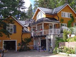 Villa Lövkulla, Malminiemi 10, 06880, Löparö